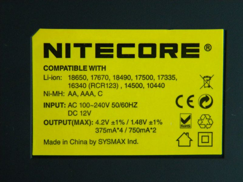 Nitecore Intellicharge i4 V2